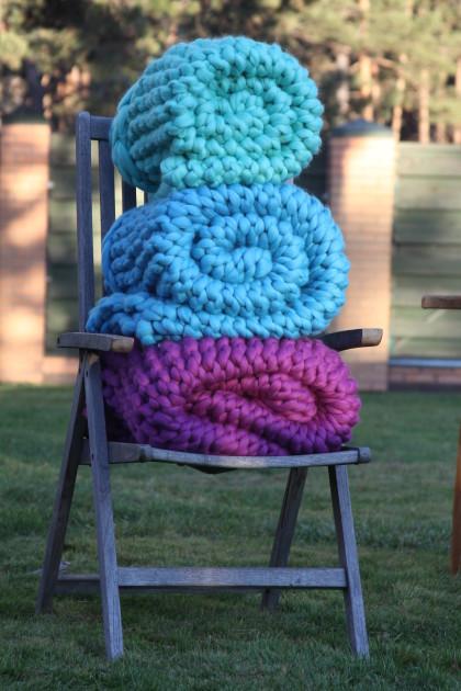 Nata Home Fashions Chunky Knit wool blankets